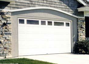 Omaha door window residential garage doors omaha for Raynor centura garage doors