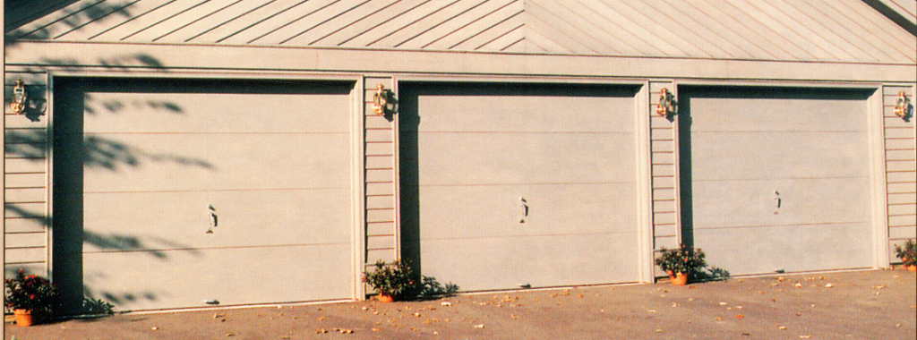 Amarr wood flush omaha door window for Flush panel wood garage door
